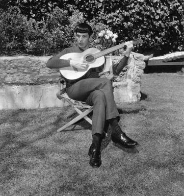 My Weekly Spock 10/22/12-- Guitar Man!  (4/6)