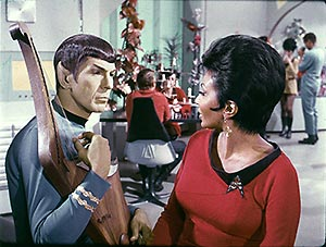 Spock_and_Uhura
