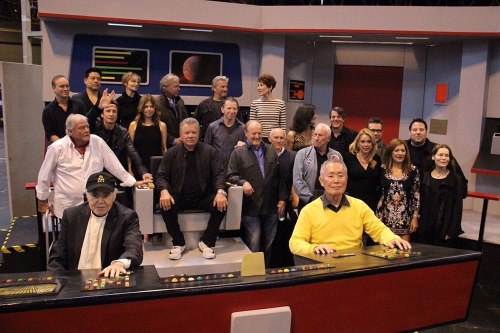destination-star-trek-bridge-shatner-koenig-takei-photo-02